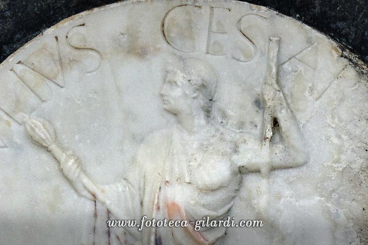 Giulio Cesare bassorilievo decorativo XV secolo