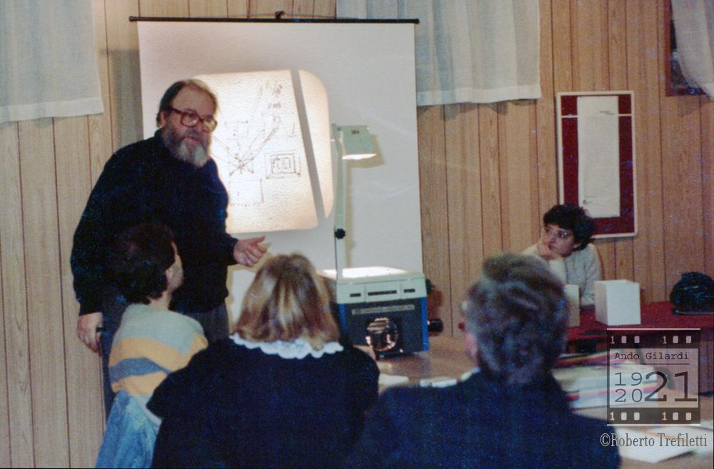 Ando Gilardi docente di fotografia , assistente Patrizia Piccini, 1984