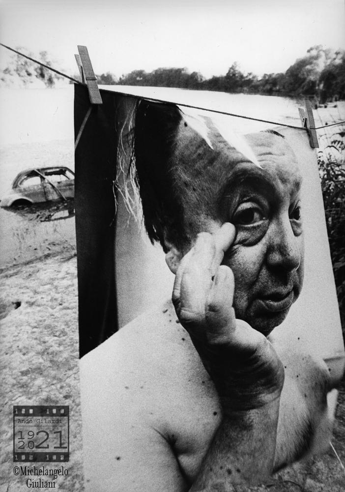 Ando Gilardi ritratto da Michelangelo Giuliani, mostra bucato Palazzo Reale Pisa 1975