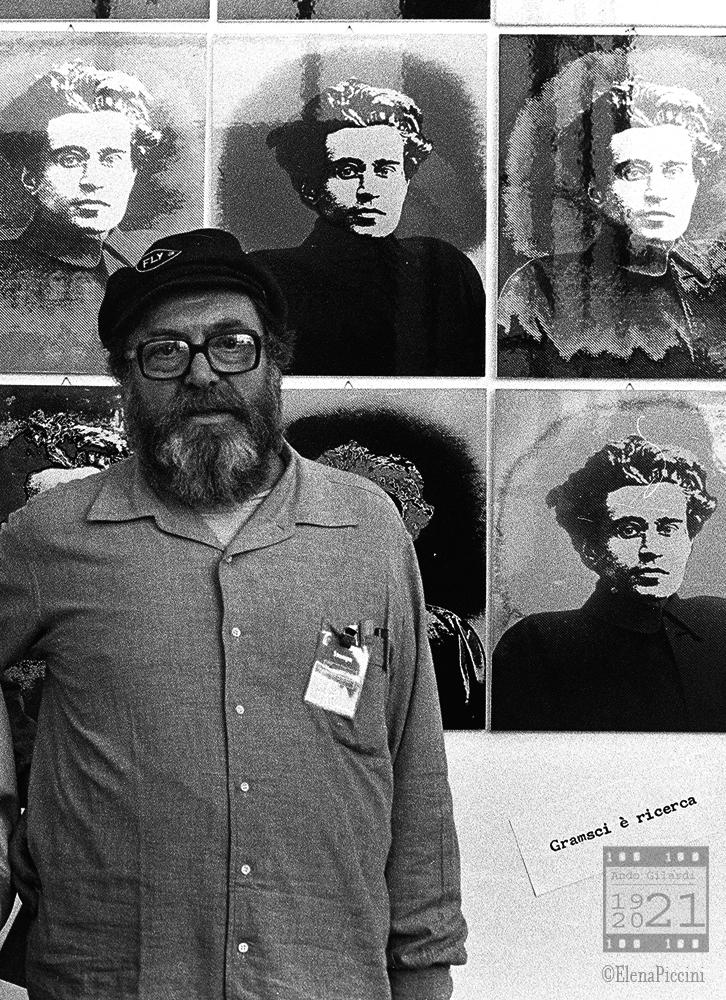 Ando Gilardi, Gramsci è ricerca. festival Nazionale dell'Unità, fotografia di Elena Piccini Torino 1981